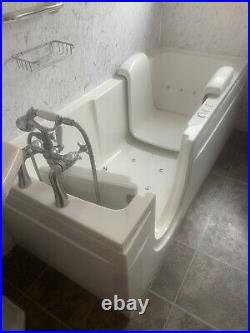 Gainsborough Specialist Disability Walk In Bath With Chair And Whirlpool Jacuzzi