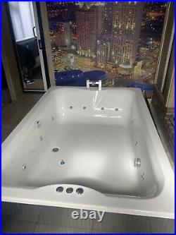 Indoor Hot Tub Whirlpool Bath Luxury Spa Massage Jacuzzi Style Chrome Jets