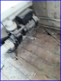 Jacuzzi bath with working motor