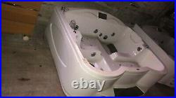 Large Bath /Jacuzzi with Whirlpool Spa Jets hot tub