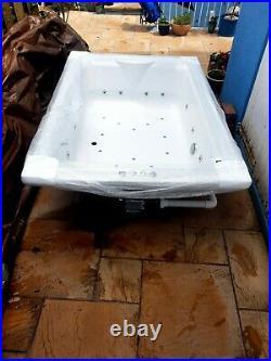 Pheonix Marino Amanzonite Whirlpool jacuzzi bath