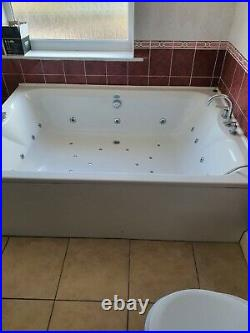 Phoenix Whirlpool Jacuzzi Bath